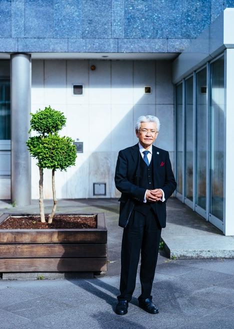 Yasuo Inadome Vorstandssprecher Japanischer Club Düsseldorf. People Fotograf Düsseldorf