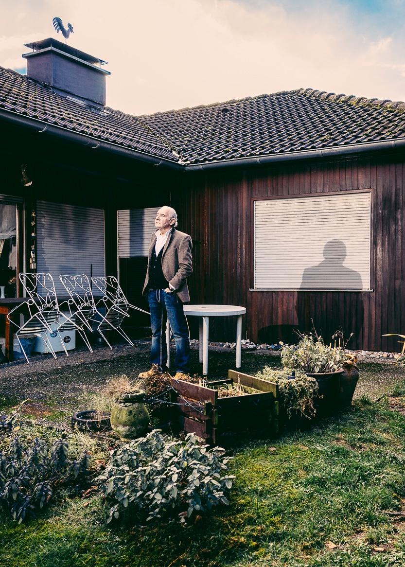 Portrait_Vater_Sonne_Garten_Haus