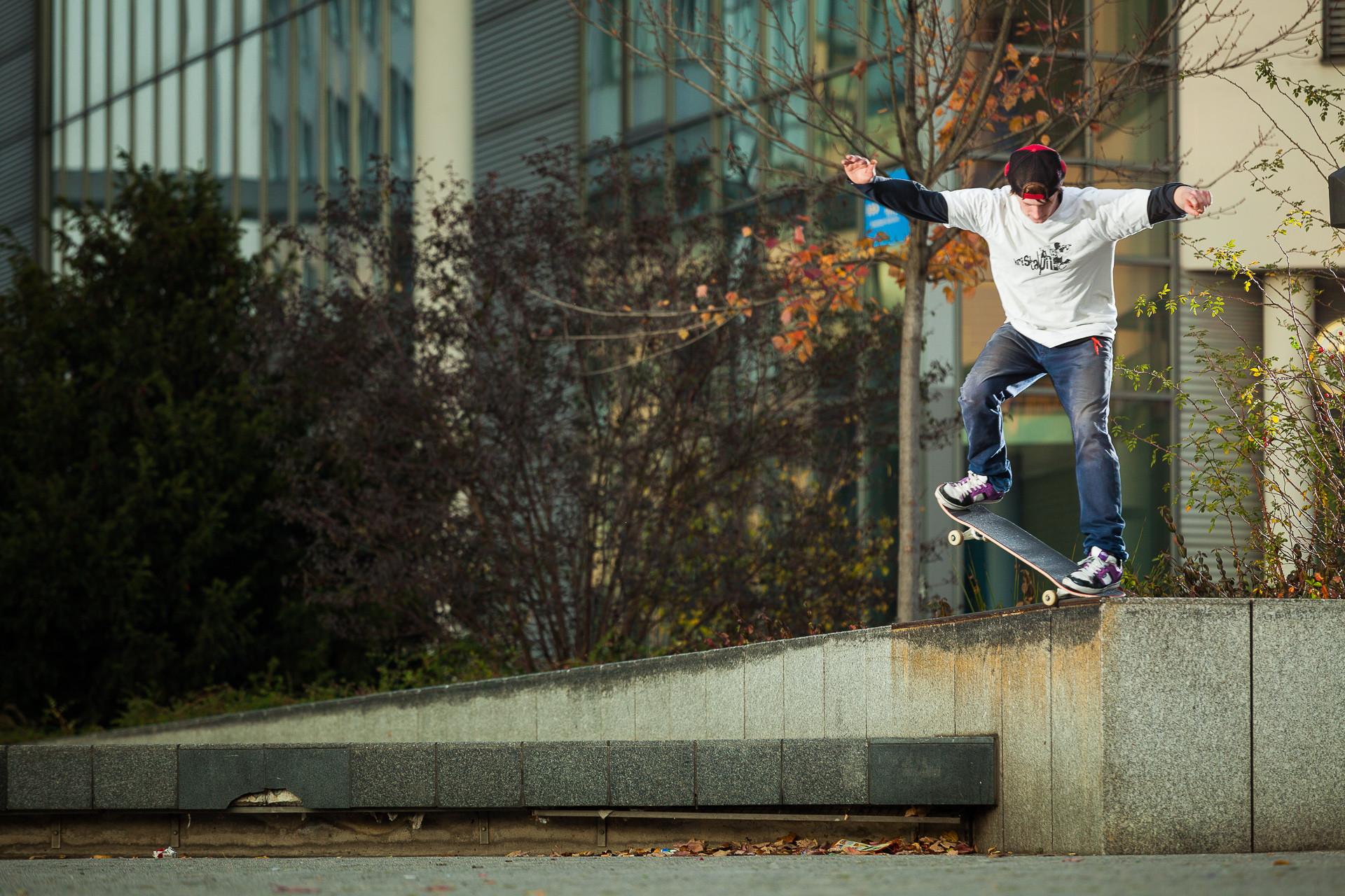 Action_Sport_Skateboard_grind
